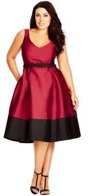 5 plus size dresses for Christmas dinner - curvyoutfits.com