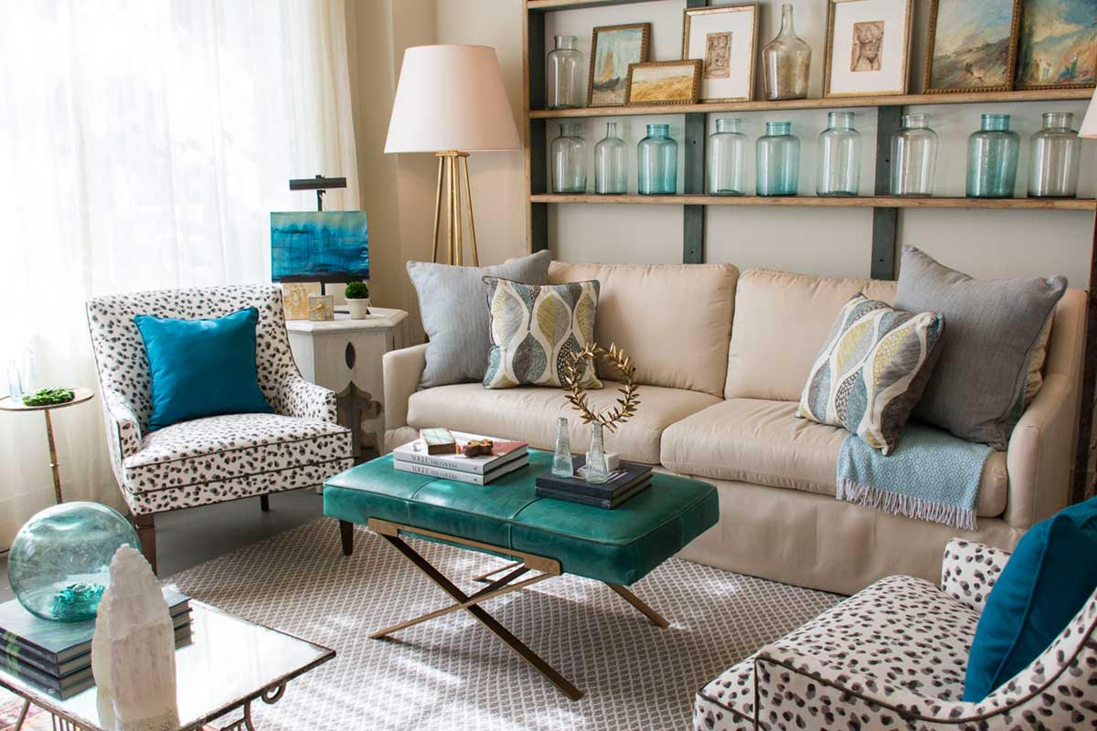 Peacock Color Living Room