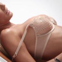 Hot And Sexy Jennifer Vaughn Posing Nude On Playboy's Bronze Beauty Shoot!