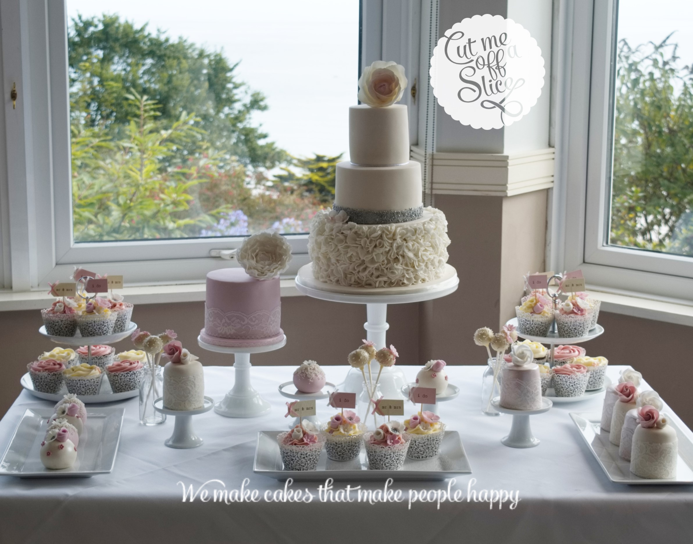 Amazing engagement cake table decorations engagement for Wedding table design tool