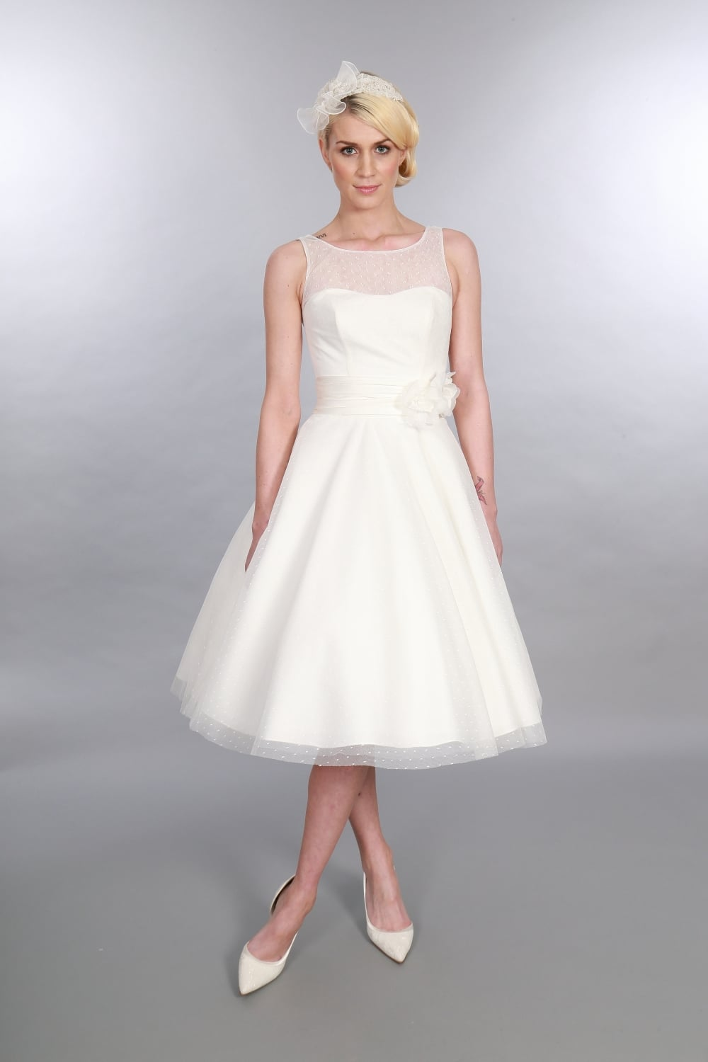 vintage style wedding dresses with sleeves 50s style wedding dresses Vintage Style Wedding Dresses With Sleeves 71