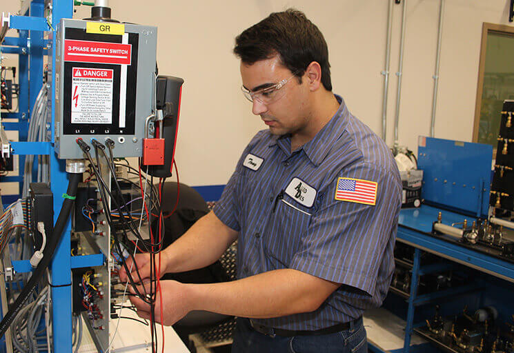 Expanded Program Draws Future Industrial Mechanics CVTC