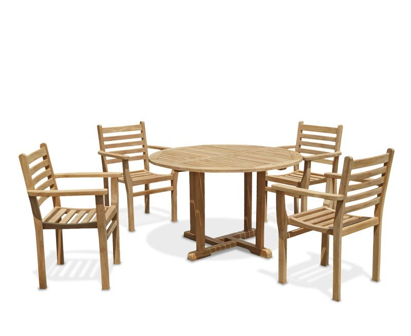 Canfield Round 12m Table 4 Yale Stacking Chairs