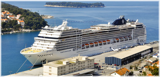 Dubrovnik wins \u201cThe Best Mediterranean Cruise Port\u201d Excellence award