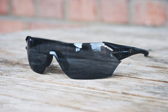 First Look: Tifosi Optics Podium - Quarter