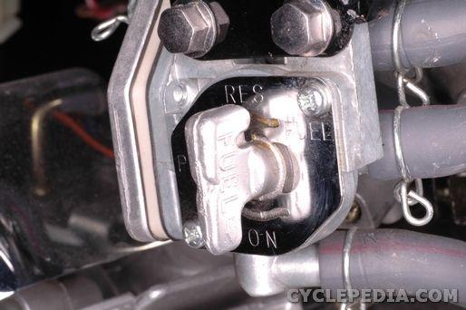 Virago XV250 V-Star 250 Yamaha Motorcycle Service Manual - Cyclepedia