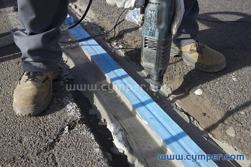 Reparación de junta de dilatación en pavimento asfáltico - 10