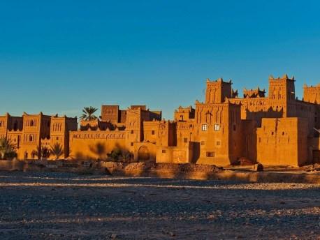 السياحة الصحراوية بواحة سكورة، زخم في المؤهلات و فقر في البنيات