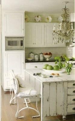 farmhouse kitchen idea on DagmarBleasdale.com