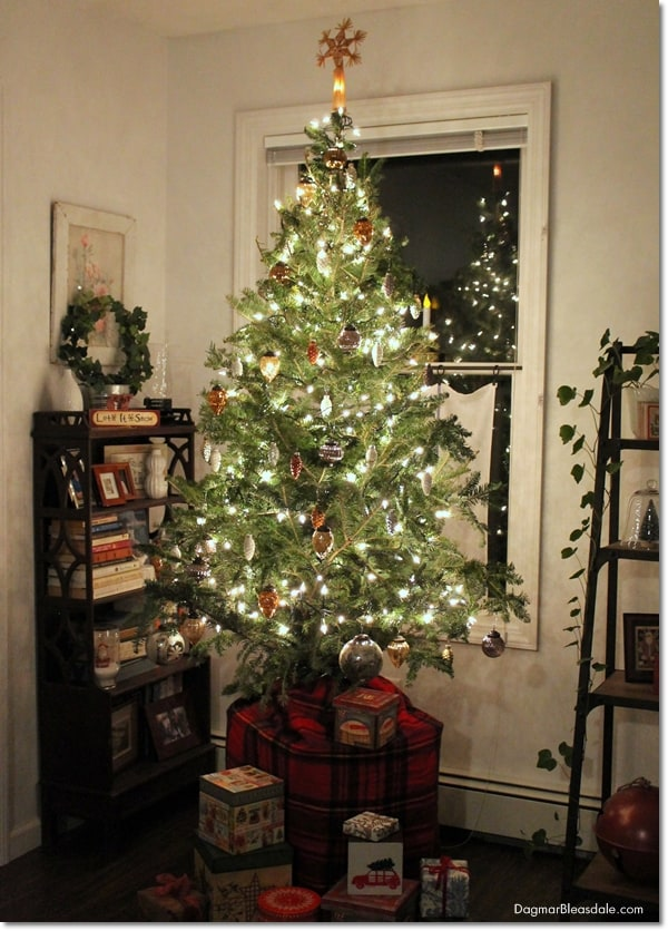 How to Make a Christmas Tree Look Fuller and Taller, DagmarBleasdale.com