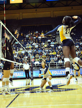 The Bears posted an overall .269 hitting percentage on Friday night, while Oregon hit a lowly .042.