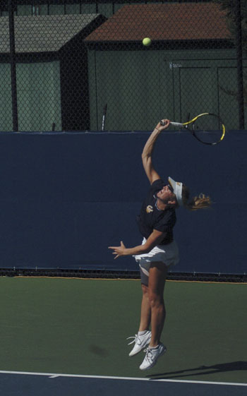 Junior Annie Goransson finished the fall season with a 13-4 record.