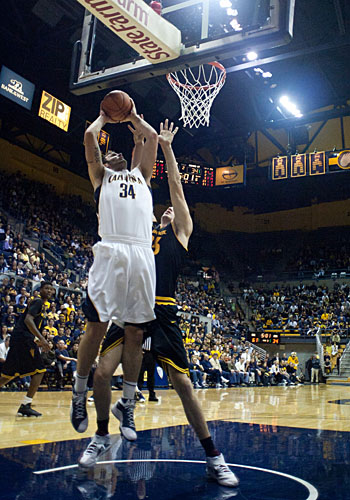 Junior forward Robert Thurman is averaging 3.6 point and 1.8 rebounds per game.