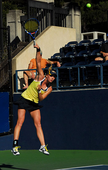 Freshman Cecilia Estlander registered a 6-1, 6-1 decision in Cal's 6-1 victory over San Diego State last Wednesday.