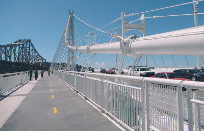 A hearing facilitated by the chair of the state Senate Transportation and Housing Committee explored possible lapses and oversights in the construction of the recently unveiled Bay Bridge.