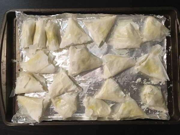 how to make feta and spinach triangles