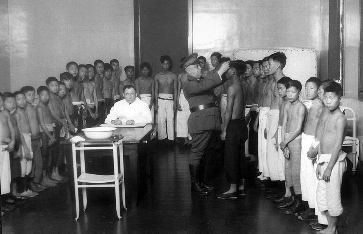 Angel Island medical examination of young boys in 1920