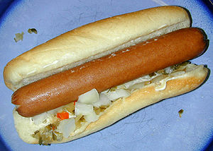 "A ""home-cooked"" hot dog with mayonnaise, onion, and pickle-relish (Photo credit: Wikipedia)"