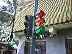 Traffic light in Spain Español: Semáforo (Photo credit: Wikipedia)