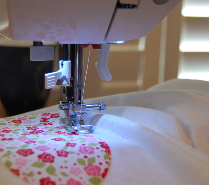 sweing-on-applique