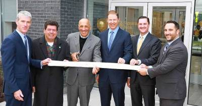 Rosemont's Signature Bank holds grand opening