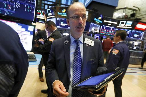 Us Stocks Slide As Traders Weigh Earnings Oil Rises