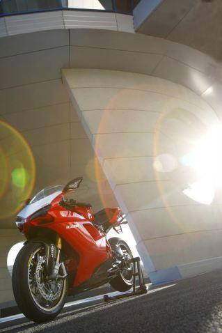 Ducati-1098-r-2008-039