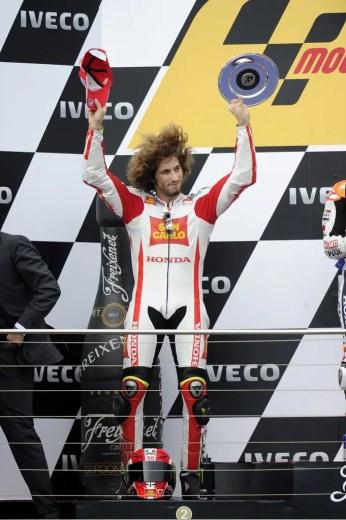 1227_R16_Simoncelli_podium