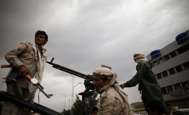 Yemeni tribesmen in Sanaa (photo: AFP/file)