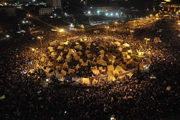 Large crowds gather on Tahrir Square. (DNE/ Mohamed Omar)
