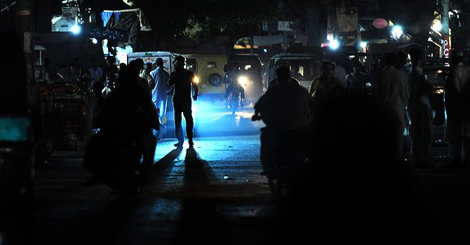 After last year's wave of summer blackouts sparked a public outcry in Cairo, the seasonal electricity challenges have returned to the capital in force. (AFP Photo)