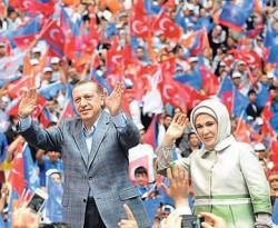 Perdana Menteri Turki Recep Tayyep Erdogan dan istri. (inet)