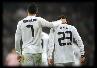 Ronaldo dan Ozil. (ronaldo7.net)