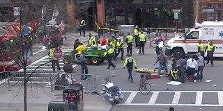 Dua ledakan mengguncang lokasi garis finish Boston Marathon, di Amerika Serikat, Senin (15/4/2013) siang waktu setempat. (CNN/Matt Frucci/KCM)