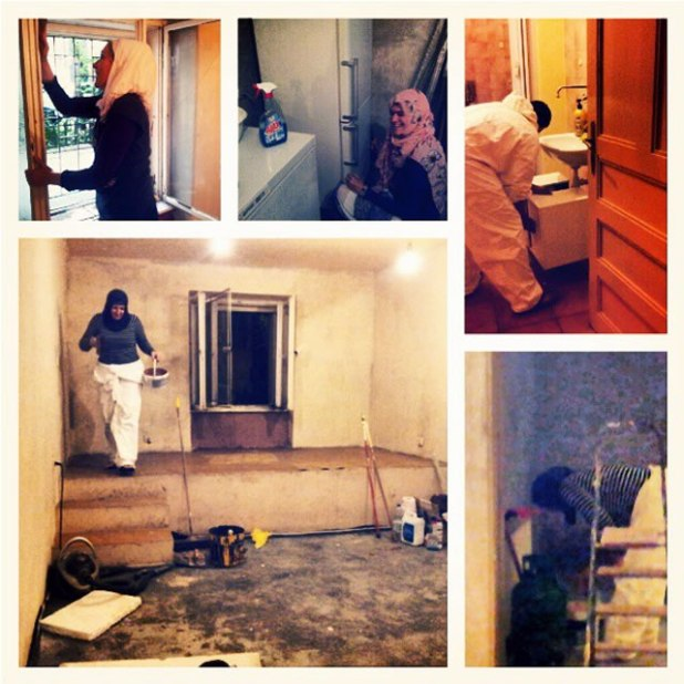 Strong sister Anetta leads another sisters to build the kitchen. (Bidadari Azzam)
