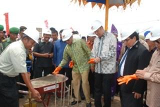 Gubernur Irwan Prayitno Meresmikan Pengeboran Pembangunan BP2IP Tiram (foto: Humas Sumbar)