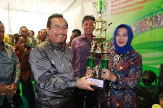 Menteri Pertanian Suswono Menutup Acara Peringatan Hari Pangan Sedunia (foto: dakwatuna)