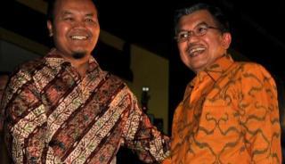 Hidayat Nurwahid dan Jusuf Kalla (Foto:vivanews.com)