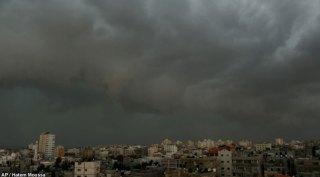 Awan mendung menyelimuti kota Gaza (inet)