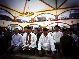 Gubernur dan Wakil Gubernur Jabar Hadir dalam Muhasabah Nasional di Pusdai Bandung 31/12/13 (Foto: pksupdate)