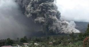 Erupsi Gunung Sinabung (medanmagazine.com)