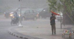 Hujan lebat disertai angin kencang (ilustrasi) - Foto: depoklik.com