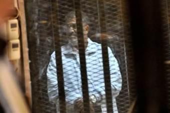 Presiden Mursi di balik terali terdakwa di pengadilan kudeta (islammemo)