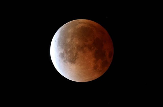 gerhana-bulan-2014-04-07