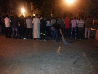 Umat Islam terpaksa shalat subuh di luar Masjid Al-Aqsha