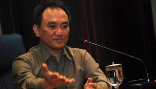 Staf Khusus Presiden Bidang Bencana Alam dan Bantuan Sosial, Andi Arief.  (tempo.co)
