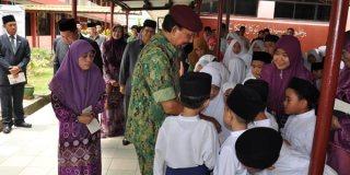 Murid Sekolah Negeri di Brunei.  (inilah.com)