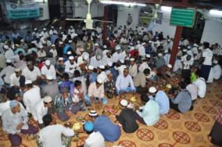 PKPU  melaksanakan program buka puasa bersama bagi muslim Myanmar yang difokuskan di Masjid Ngwe Aye yang berada di Wilayah Daw Pone Township, 15 kilometer dari kota Yangon. (teguh/kis/PKPU)