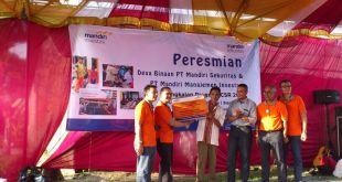 Peresmian Desa Binaan, kerjasama PT Mandiri Sekuritas dan Rumah Zakat.  (sari asih/rz)