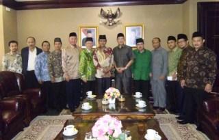 Pengurus Besar Al Washliyah saat kunjungan ke kantor Kemenag di Lapangan Banteng Jakarta Pusat. Senin, 11/8/14.  (kabar Washliyah)